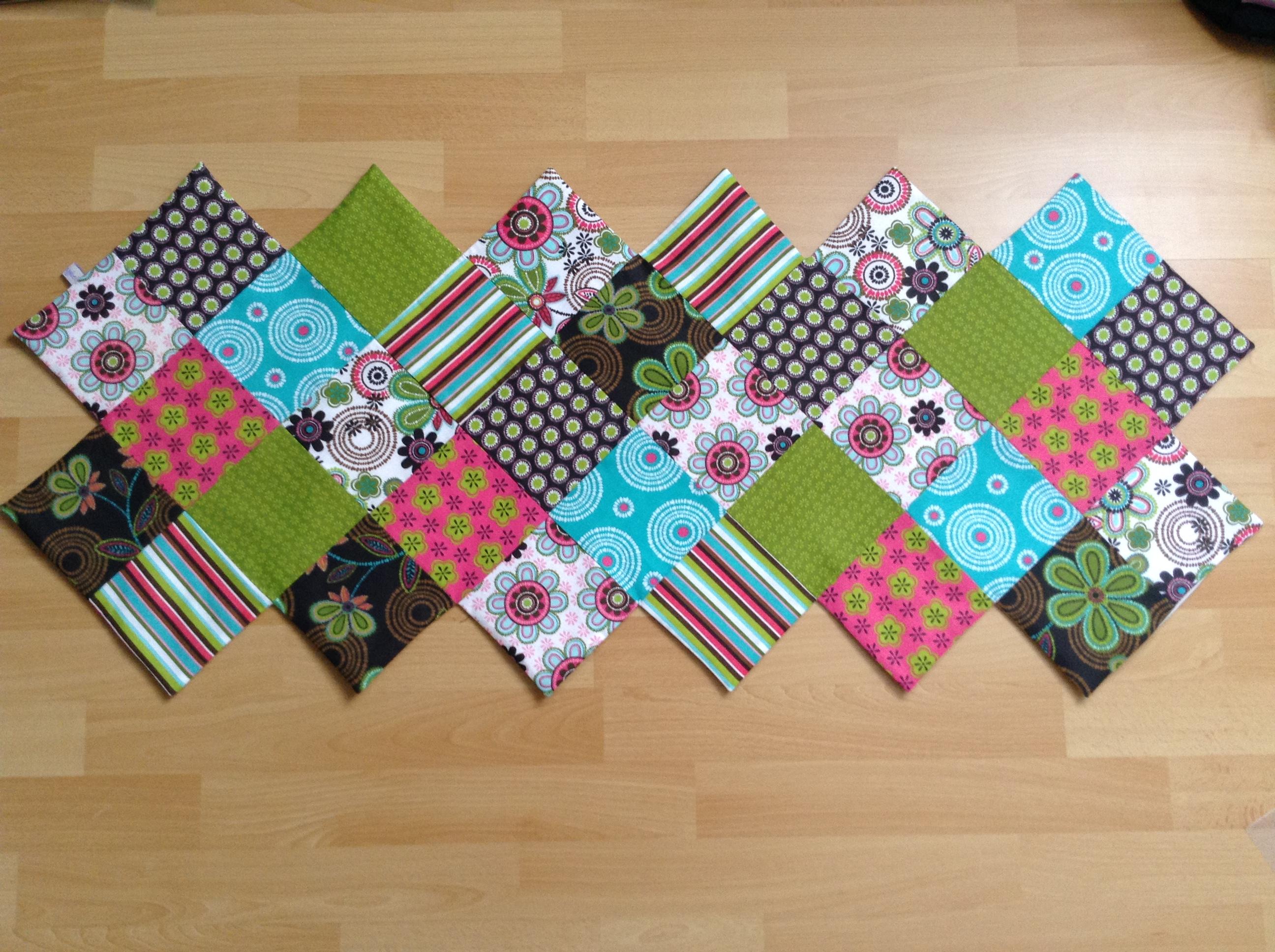 patchwork tischl ufer im zickzack design anybell. Black Bedroom Furniture Sets. Home Design Ideas