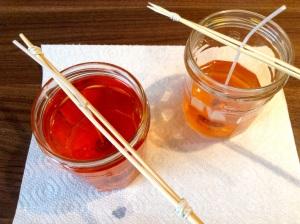 DIY Kerzen gießen - flüssiges Wachs im Glas