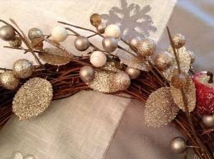 DIY Adventskranz - Girlande mit Blumendraht befestigen