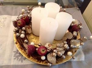 DIY Adventskranz - Kerzen in die Mitte