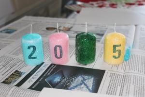 Silvester Glitzer Kerzen DIY - alle Kerzen einkleistern und beglitzern