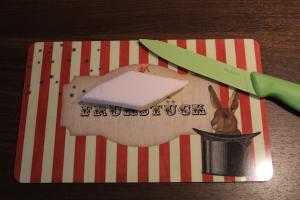 Marshmallow-Raketen DIY - Rauten durchschneiden
