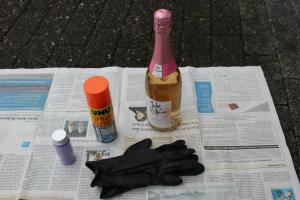 Sektflasche im Glitzerdesign DIY - benötigtes Material