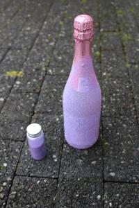 Sektflasche im Glitzerdesign DIY - Glitzer zurück