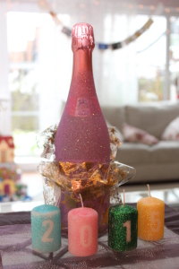 Sektflasche im Glitzerdesign DIY - fertig