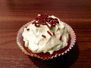 Schoko-Minz-Cupcakes - Streusel oben drauf