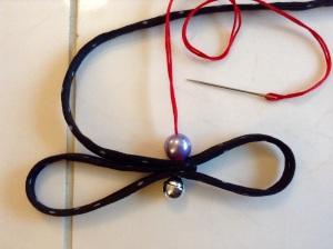 DIY Textil Weihnachtsbäumchen - Perle auffädeln