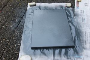 DIY Leinwände besprühen - graue Leinwand