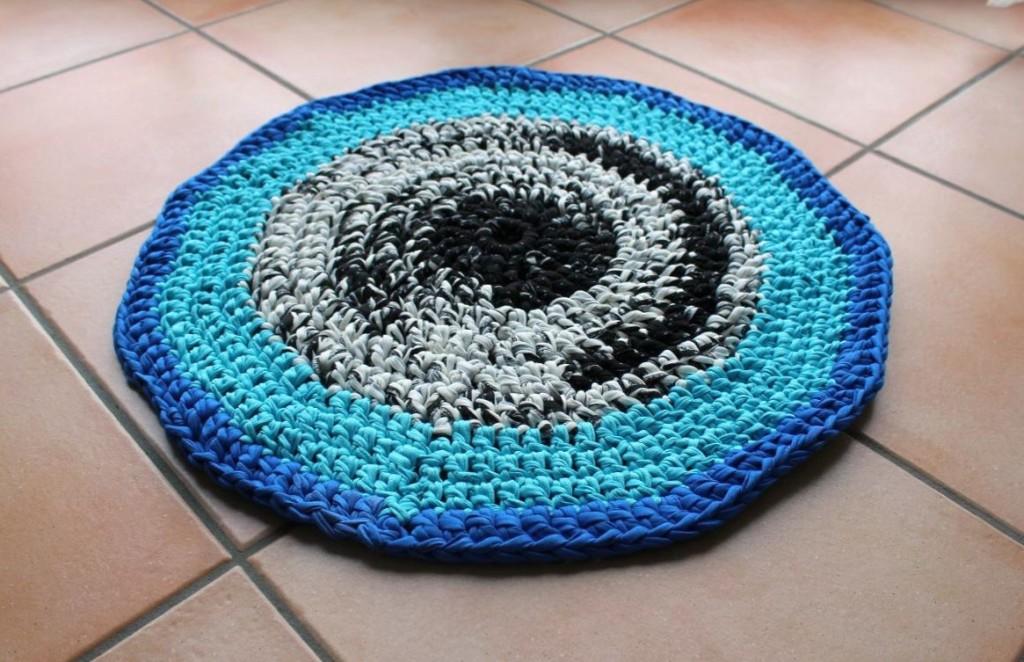 Häkelteppich aus Textilgarn
