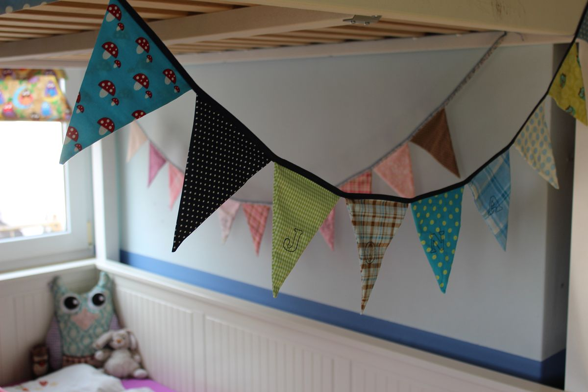 Simple-Wimpelkette :: DIY mit Schnittmuster - Anybell